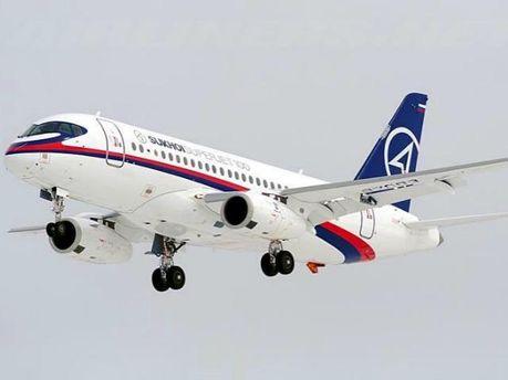 Літак SuperJet-100