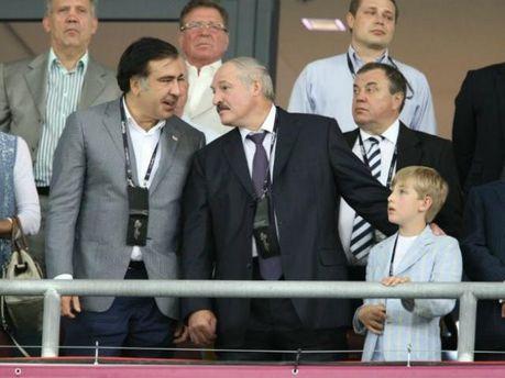 Олександр Лукашенко і Михайло Саакашвілі