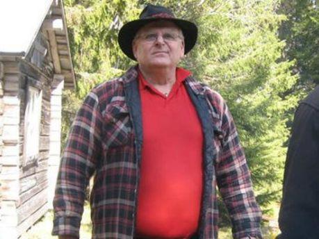 65-летний