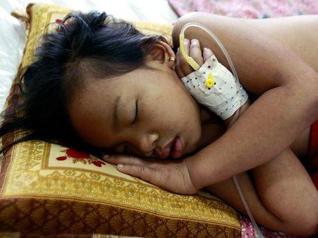 Хвора дитина в Камбоджі