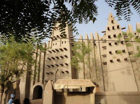 Гробницы мечети XIV века