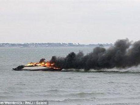 Яхта, що вибухнула одразу після покупки