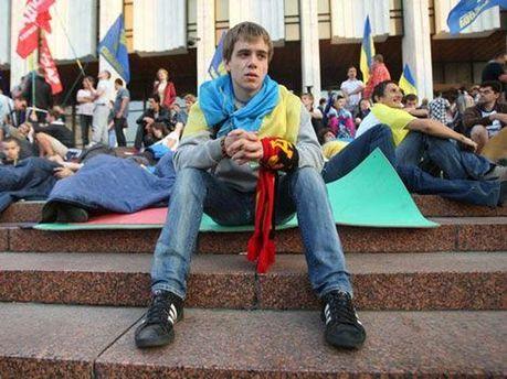 Активист под Украинским домом