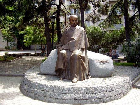 Пам'ятник Тарасові Шевченко