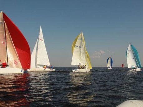 Змагання з вітрильного спорту