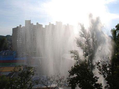 Фонтан води