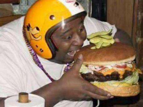 Диетологи разрешили есть на ночь