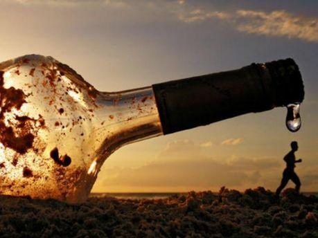 Алкоголь не допомагає забути горе