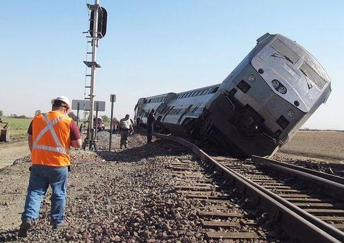 Потяг зійшов з колії