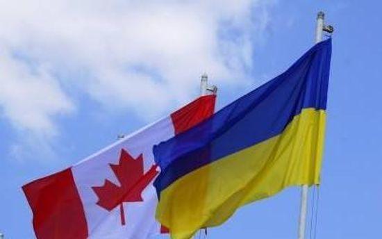 Канадский и украинский флаги