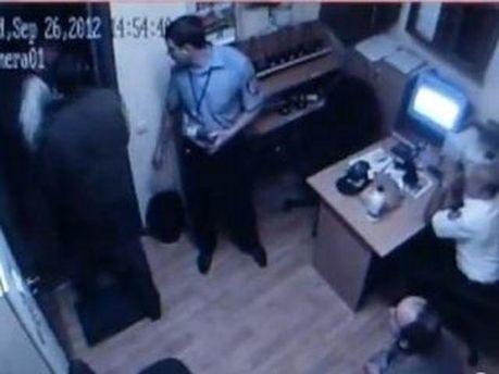 Запис з камери спостереження в ТЦ
