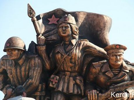 Памятник в Керчи