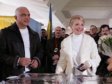 Юлия Тимошенко на избирательном участке