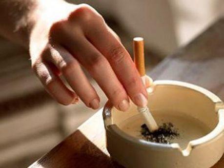 Курцям заборонять курити у барах