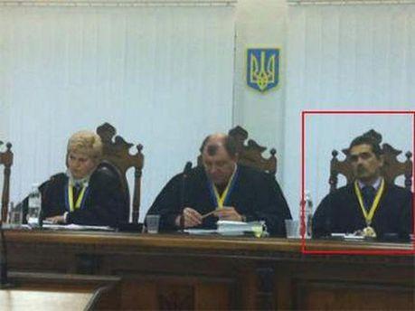 Судді на засіданні у справі Луценка