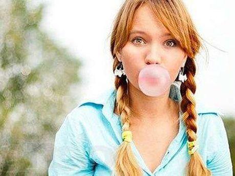Жевательная резинка улучшает реакцию