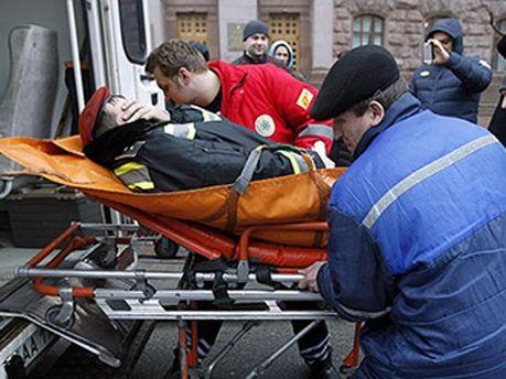 Під час штурму КМДА постраждав охоронець