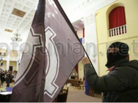 В Киевраду активист пронес нож (Видео)