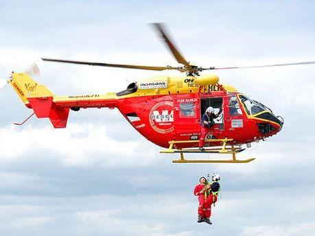 Вертолет со спасателями
