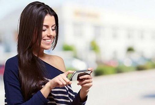Користувач смартфону