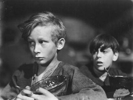 Кадр из фильма про Оливера Твиста, 1948 год