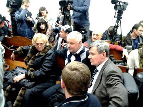 Нардепы в зале суда