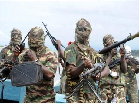 Вооруженные нигерийцы