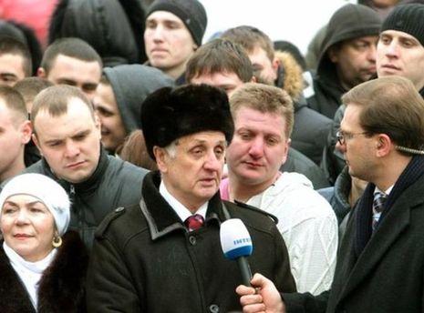 Бажаючі спілкуватись з Януковичем