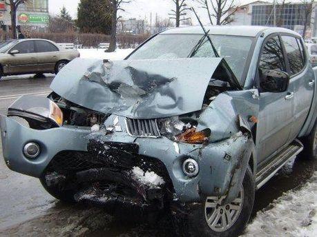 Внедорожник после аварии