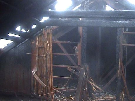 Пожар возник на крыше школы