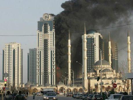 """З пожежею у комплексі """"Грозний-Сіті"""" боролися 8 годин (Фото)"""