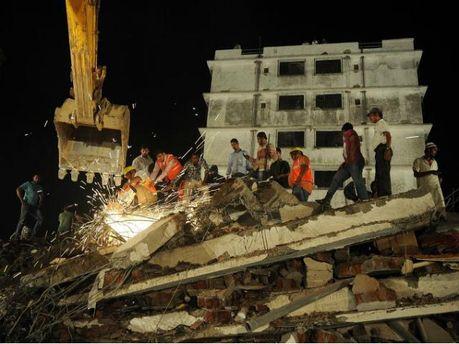 В Індії завалився будинок: зростає кількість жертв трагедії (Фото)