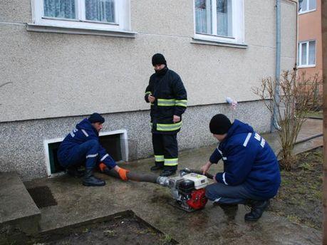 В Ивано-Франковской области борются с подтоплением (Видео)