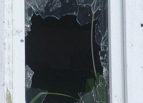 Вікно офісу після обстрілу
