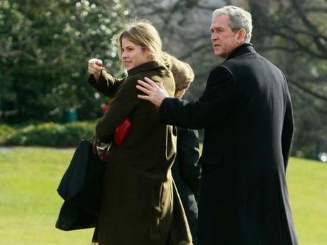 Джордж Буш-младший с дочкой