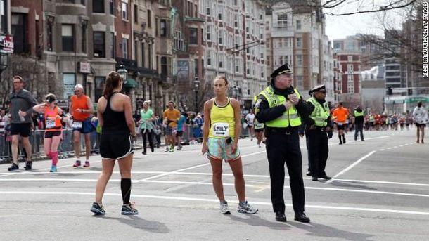 Участники марафона, которым посчастливилось не попасть в зону взрыва