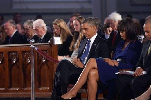 Барак Обама во время молебна