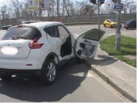 В Киеве столкнулись два автомобиля (Фото)