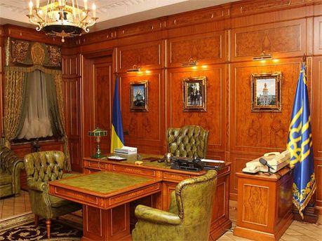 Кабінет для Віктора Януковича на території