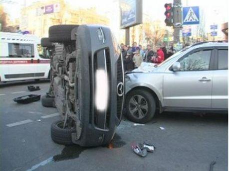 В аварии в центре Киева пострадали 5 человек (Фото)