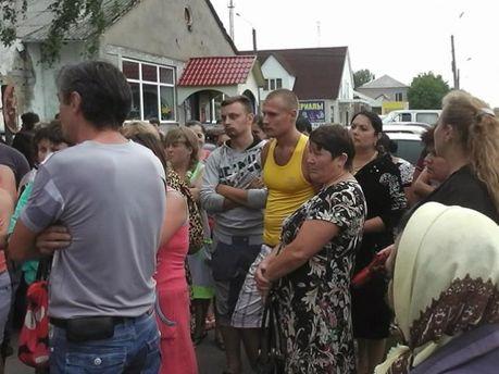 Протест біля Врадіївського суду