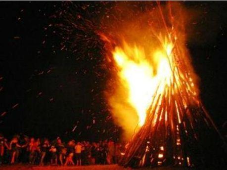 """На фестивалі """"Шипіт"""" дитина мало не згоріла у купальській ватрі"""