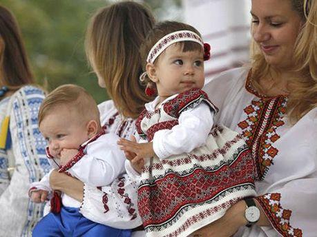 Семья в вышиванках