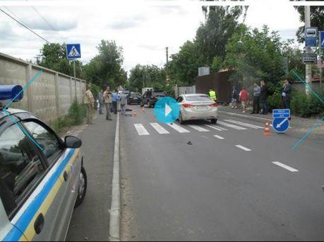 """У Києві """"Mercedes"""" насмерть збив 9-річного хлопчика"""