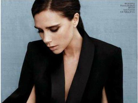 Жена Дэвида Бекхэма показала себя на обложке Vogue China