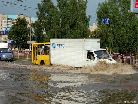Луцк затопило
