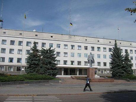 Пам'ятник Леніну перед райдержадміністрацією міста