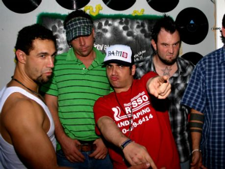 Група Bloodhound Gang