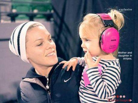 Пінк з донькою