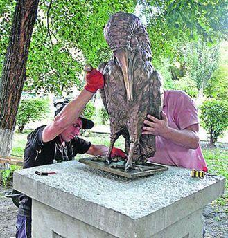 Памятник столичному интеллигенту